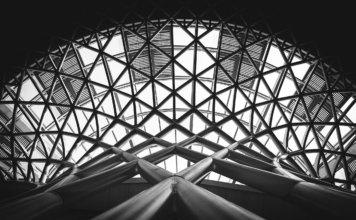 architecture noir et blanc longévité anti-vieillissement transhumanisme